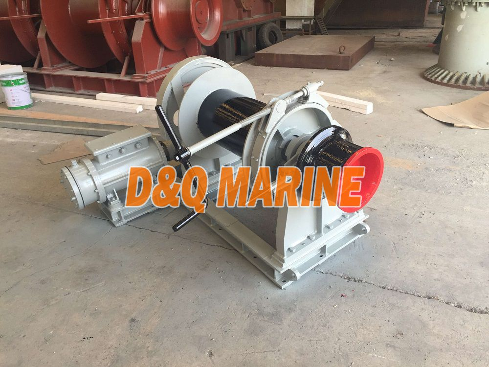 Electric winch with 13kn pull